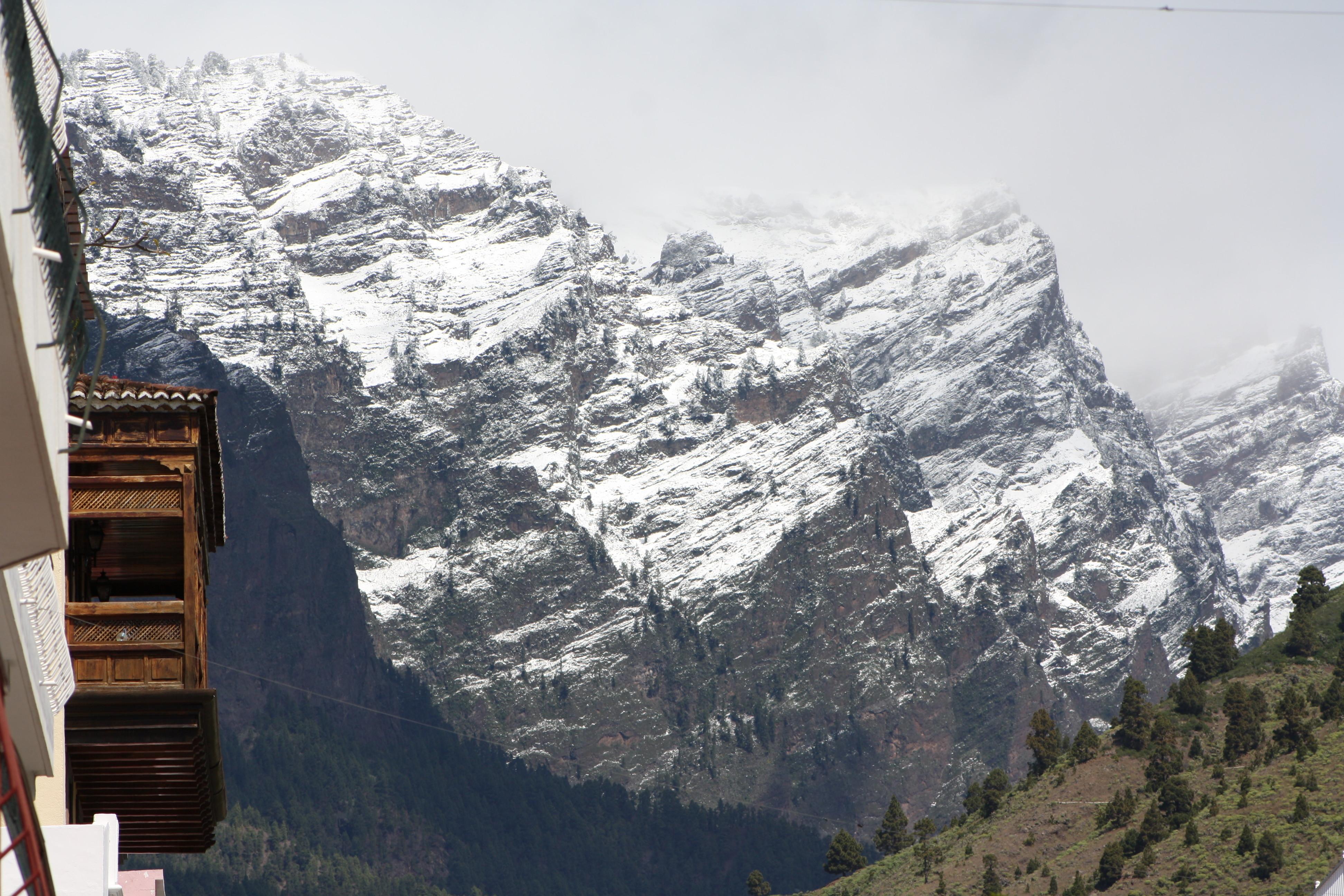 Blick auf die Felswand der Caldera auf La Palma. Aufgenommen im März 2011