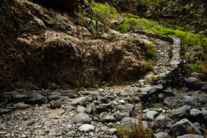 auch im Barrancogrund ist der Weg deutlich sichtbar