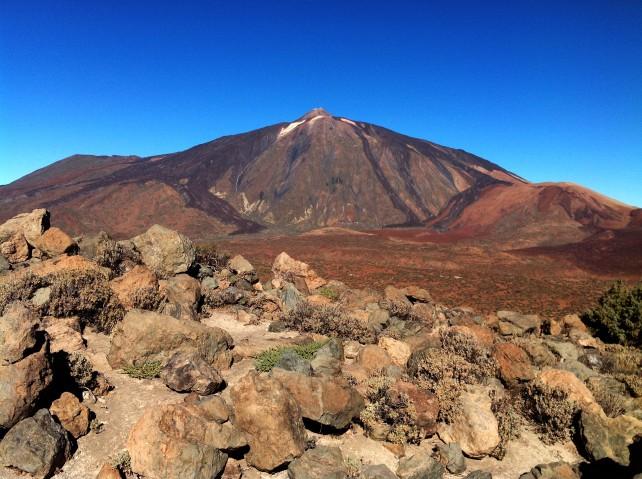 der Blick auf den Teide begleitet uns