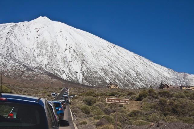Blechlawine vor dem Teide