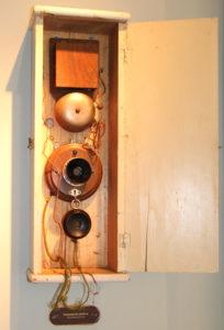 So sah einmal der Vorläufer unseres heutigen Telefons aus