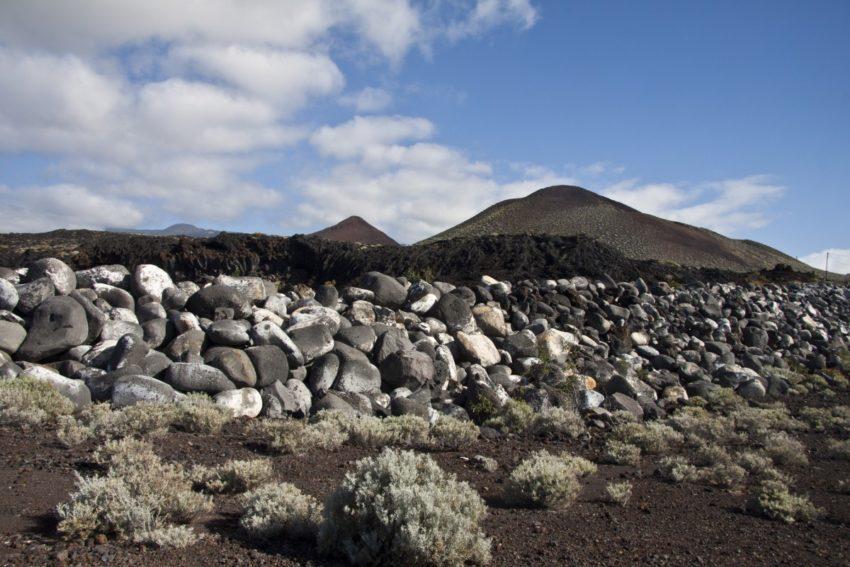 Lava, Steine und Vulkane