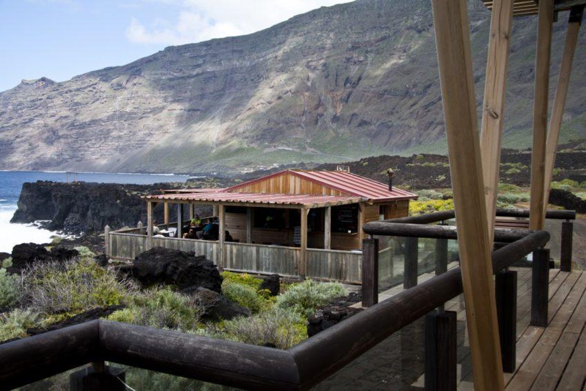 Kleines Restaurant auf den Klippen