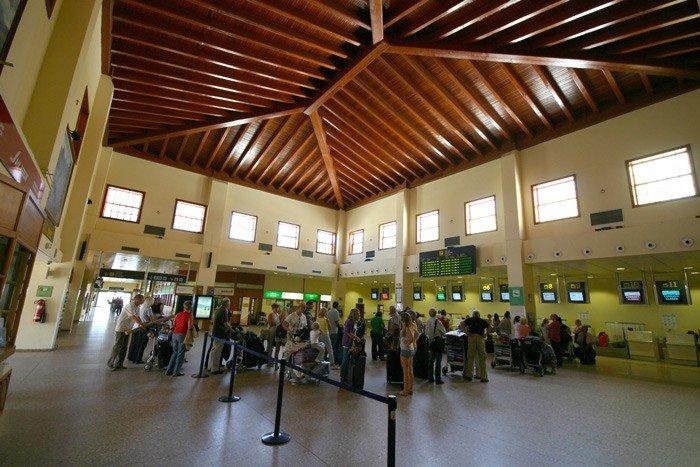 Alter Flughafen mit kanarischer Holzdecke