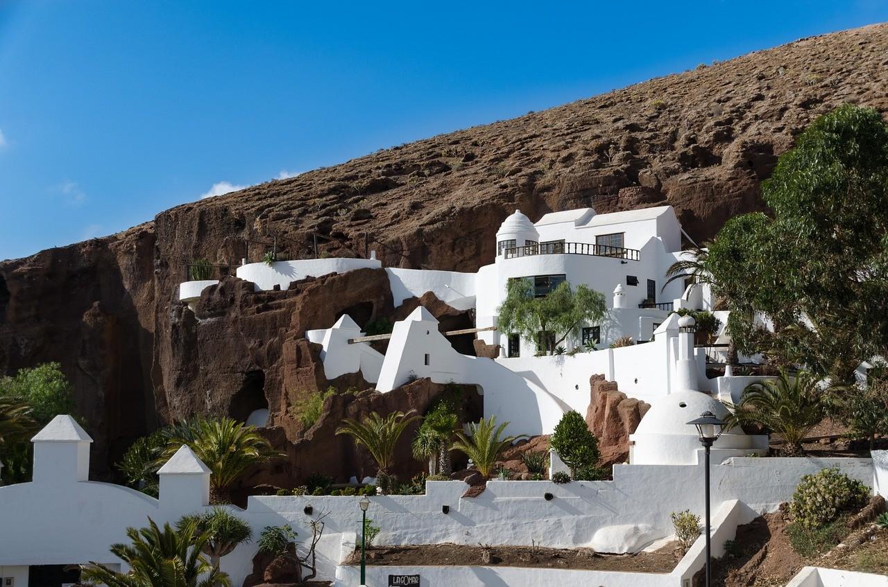 Die typischen, bekannten Häuser auf Lanzarote