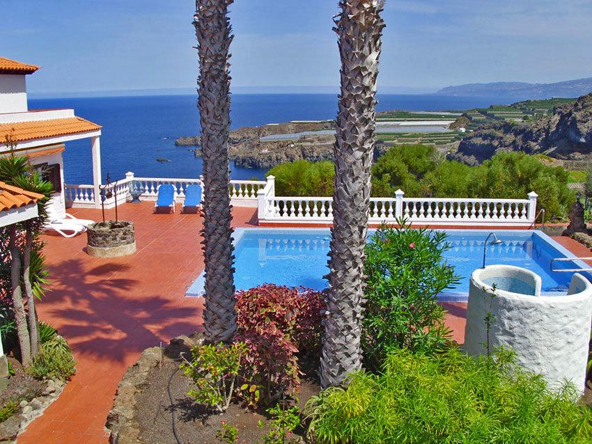Luxusvilla mit Pool
