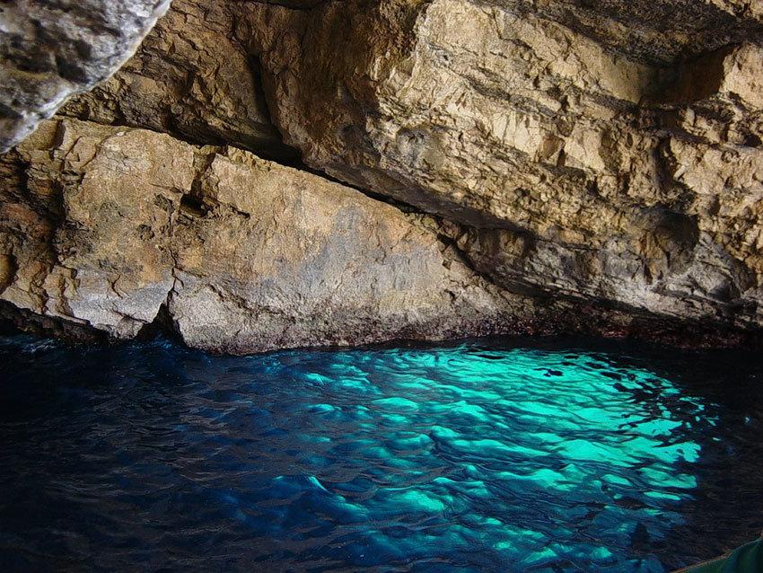 Blaue Grotte in Kroatien