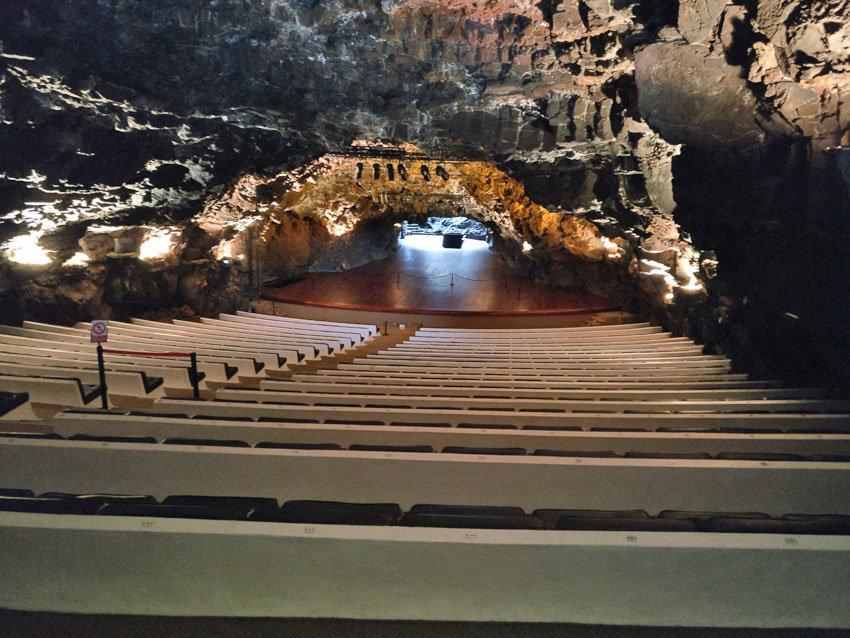 Der mystische Konzertsaal in Jameos del Agua.