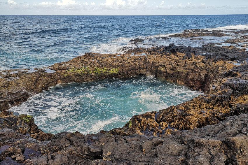 Der El Bufadero - ein Loch im Fels, wo das Wasser hoch und runter prescht.
