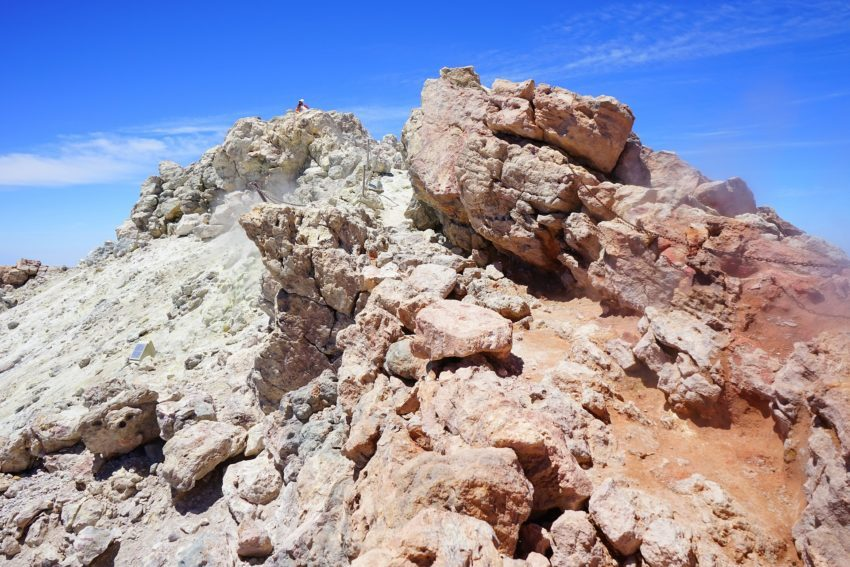 Wanderweg am Gipfel des Teide