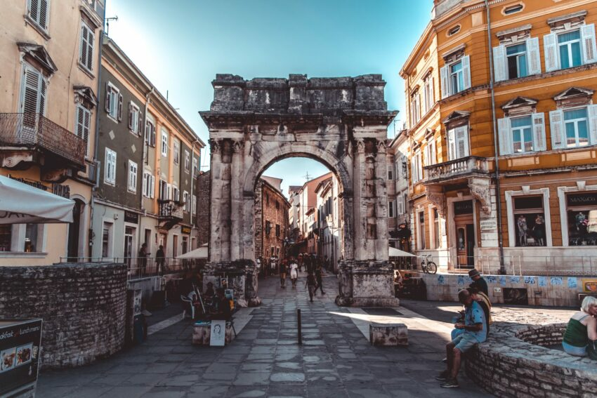 Die historische Altstadt von Pula