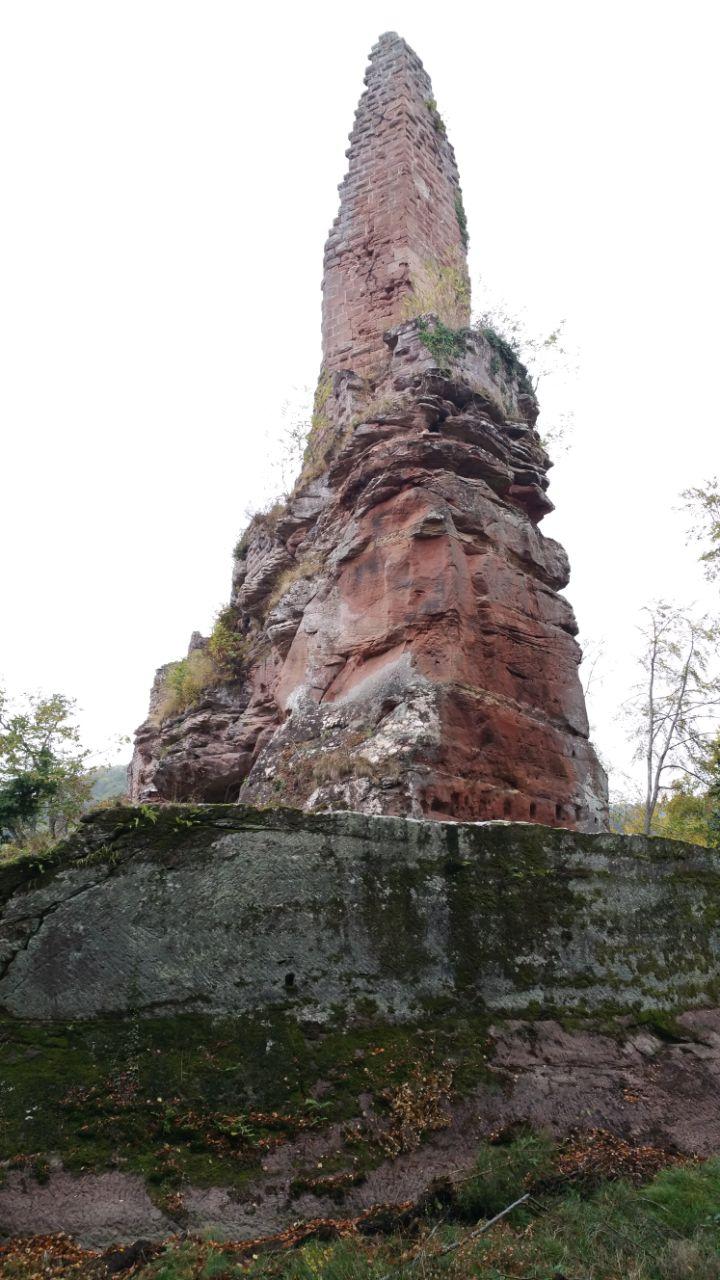 Burg Wasigenstein von unten betrachtet
