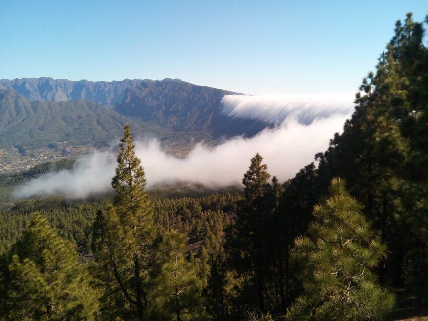 Cascada de nubes – Wolkenwasserfall - auf La Palma