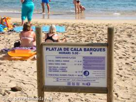 Strand Schild in Cala Barques