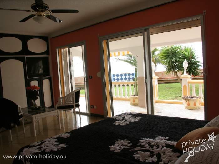 Ferienhaus mit privatpool terrasse und meerblick for Ferienhaus mit privatpool