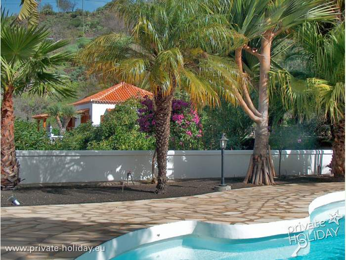 bungalow auf einer traumhaften finca bei el paso mit pool. Black Bedroom Furniture Sets. Home Design Ideas