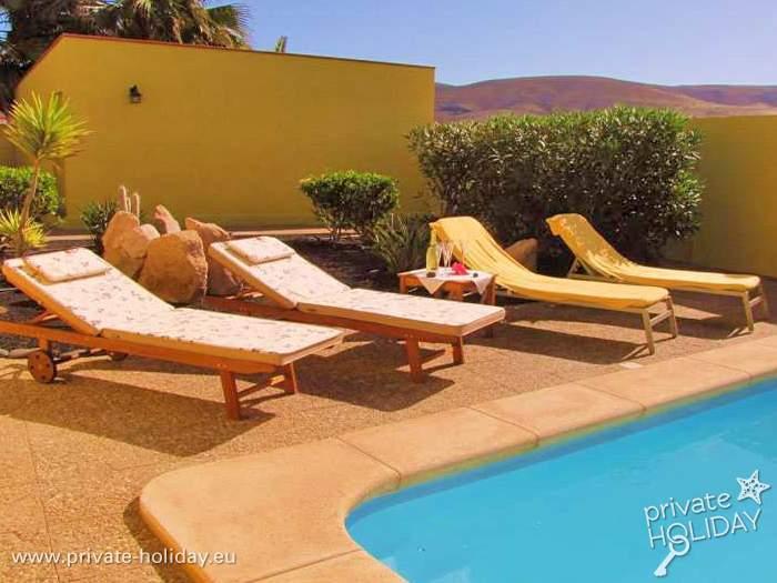 villa mit privatpool und terrassen auf fuerteventura. Black Bedroom Furniture Sets. Home Design Ideas