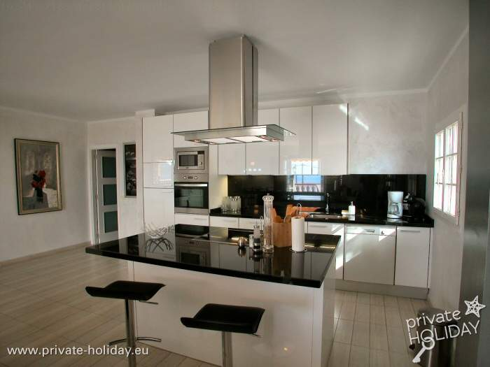 penthouse mit riesiger terrasse in la florida im s den. Black Bedroom Furniture Sets. Home Design Ideas