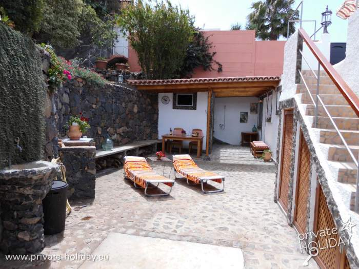 luxus ruhe und 2 patios haus mit terrasse in el sauzal. Black Bedroom Furniture Sets. Home Design Ideas