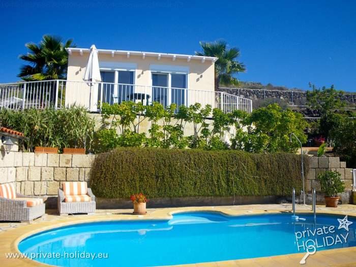 kleines ferienhaus auf einer finca mit pool bei adeje. Black Bedroom Furniture Sets. Home Design Ideas