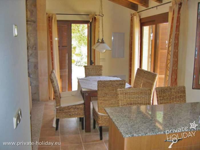 ferienhaus auf finca mit pool in santa margalida. Black Bedroom Furniture Sets. Home Design Ideas