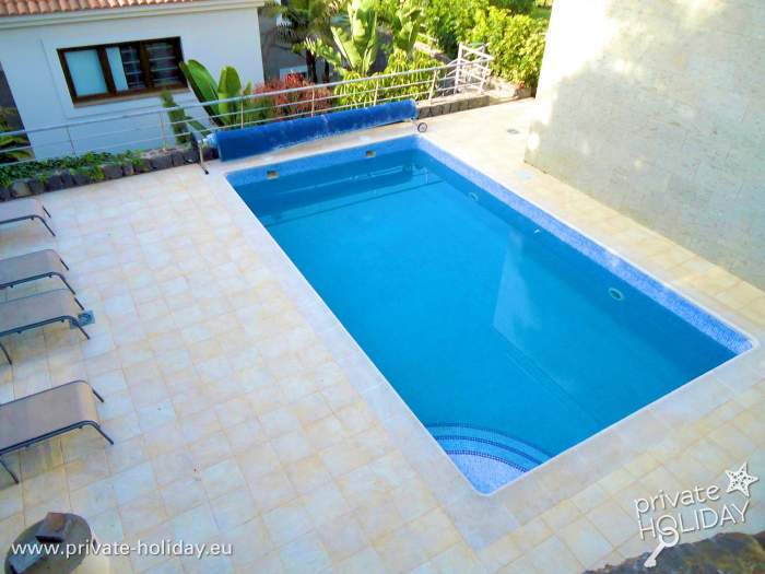 haus mit 2 terrassen pool und meerblick in santa ursula. Black Bedroom Furniture Sets. Home Design Ideas