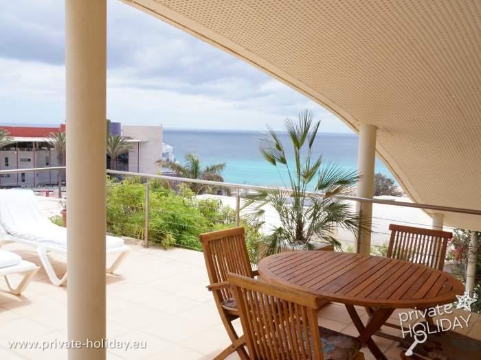 bungalow mit pool und dachterrasse in costa calma. Black Bedroom Furniture Sets. Home Design Ideas