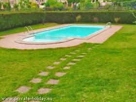 Ferienwohnung mit Pool, Balkon und Liegewiese in Santa Ursula