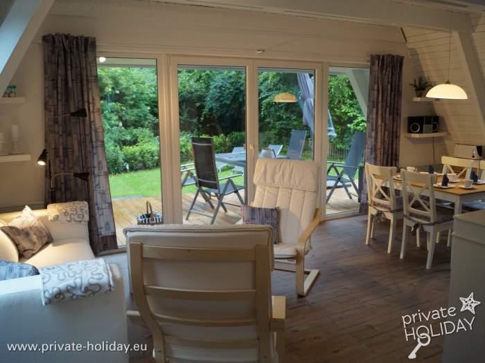 ferienhaus an der ostsee mit m blierter terrasse. Black Bedroom Furniture Sets. Home Design Ideas