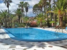 Gemütliche, ruhige Ferienwohnung mit Pool und möbl. Balkon