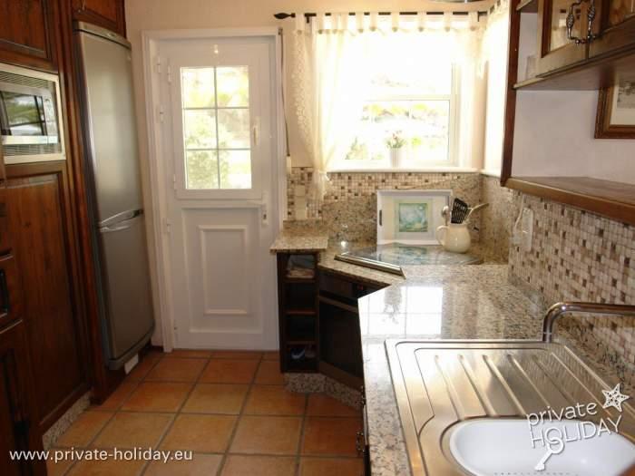haus mit pool terrasse sauna und whirlpool bei adeje. Black Bedroom Furniture Sets. Home Design Ideas