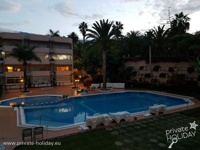 ferienapartment mit balkon und pool in la paz puerto. Black Bedroom Furniture Sets. Home Design Ideas