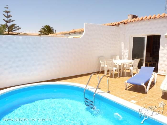 bungalow mit zwei schlafzimmer an der costa calma. Black Bedroom Furniture Sets. Home Design Ideas