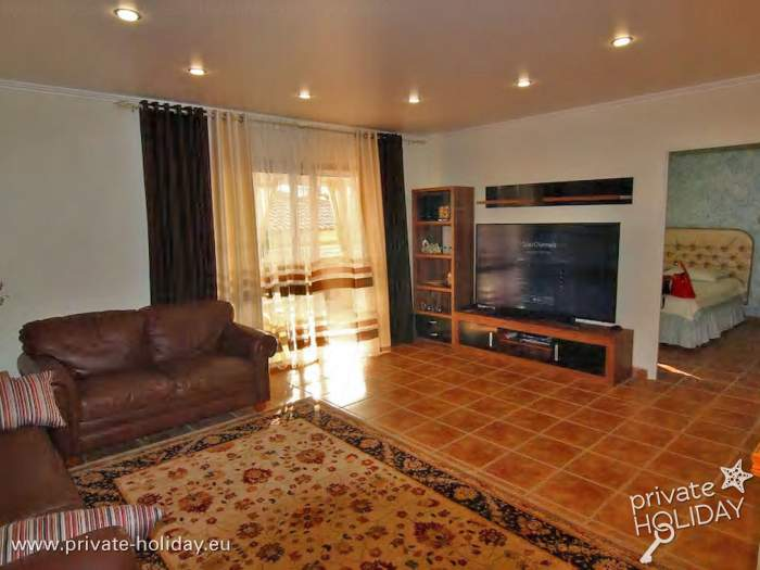 luxuri ses ferienhaus mit jacuzzi sauna und meerblick. Black Bedroom Furniture Sets. Home Design Ideas