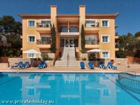 Apartment am Strand mit Privatpool