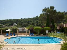 Ferienapartment mit Pool am Strand