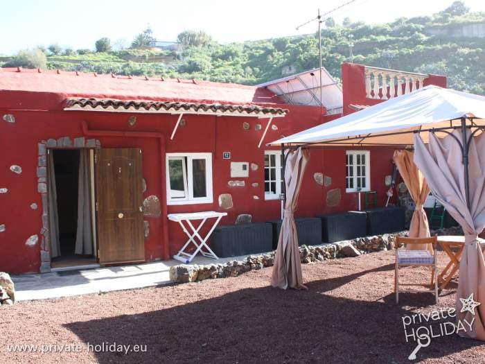 fincahaus mit gro em garten terrasse meerblick und spielplatz. Black Bedroom Furniture Sets. Home Design Ideas