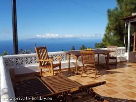 Zimmer auf einer ökol. Finca mit Terrasse, Garten & Meerblick