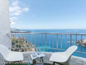 Apartment in erster Reihe am Meer mit Poolbereich und Meerblick
