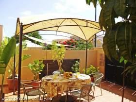 Ferienhaus in Arona im sonnigen Süden mit Terrasse und Balkon