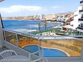 Strandnahe Ferienwohnung  in El Médano mit Pool und Meerblick